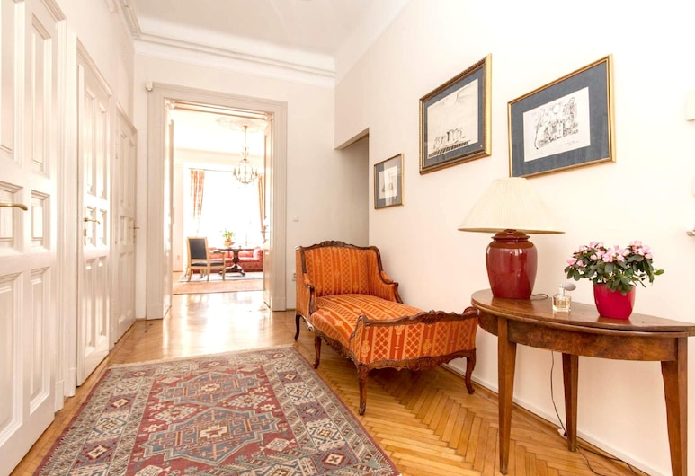 Apartment With 3 Bedrooms in Budapest, With Wonderful City View, Terrace and Wifi, Budapešť, Vstup do zariadenia