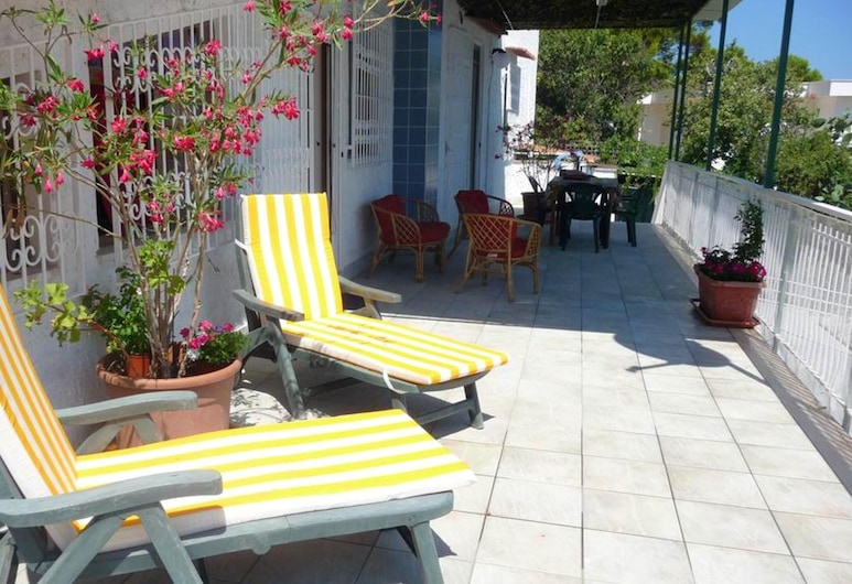 House With 4 Bedrooms in Palermo, With Wonderful sea View, Enclosed Garden and Wifi, Palermo