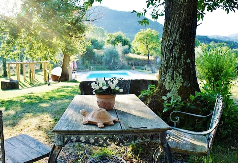 House With 4 Bedrooms in Montelaterone, With Wonderful Mountain View, Private Pool, Enclosed Garden - 19 km From the Slopes, Arcidosso, Garden