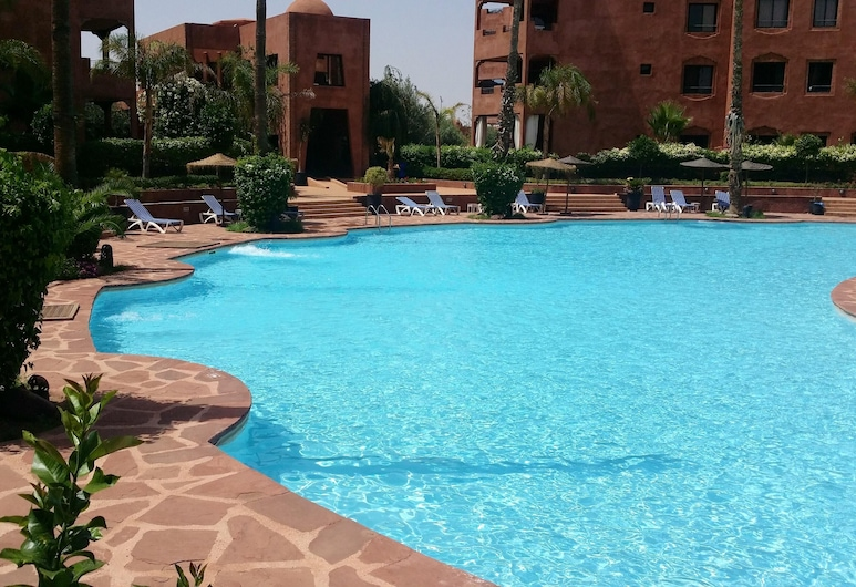 Apartment With 2 Bedrooms in Marrakech, With Shared Pool, Enclosed Garden and Wifi - 100 km From the Beach, Marrakech, Alberca