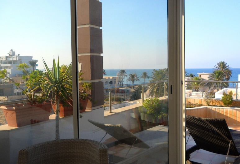 Apartment With 4 Bedrooms in Mahdia, With Wonderful sea View, Furnished Terrace and Wifi - 100 m From the Beach, Mahdia, Terasa