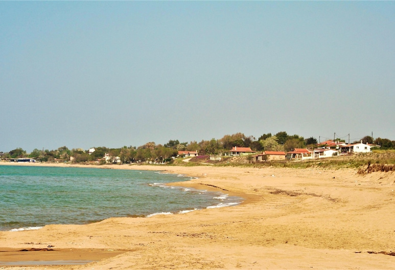 Apartment With 2 Bedrooms in Pirgos, With Wonderful sea View, Enclosed Garden and Wifi - 2 km From the Beach, Pyrgos, Bãi biển
