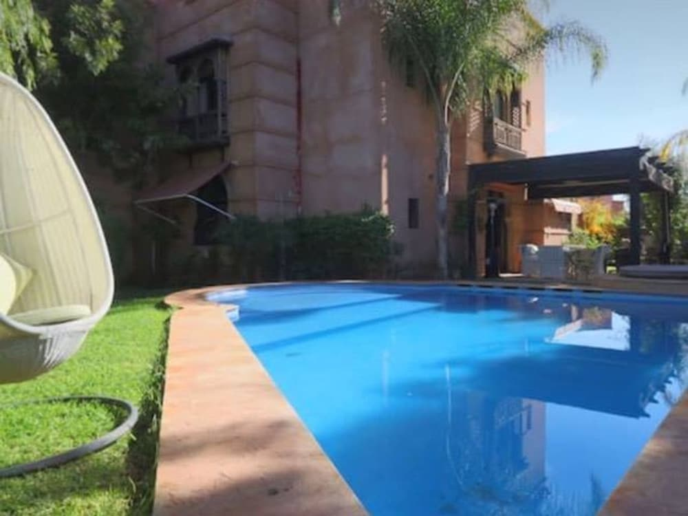 Riad With 3 Rooms In Marrakech Private Pool Hot Tub Terrace Amazing