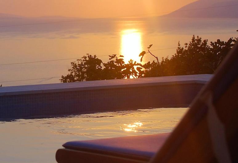 Villa With 3 Bedrooms in Podgora, With Wonderful sea View, Private Pool, Enclosed Garden, Podgora, Bazen