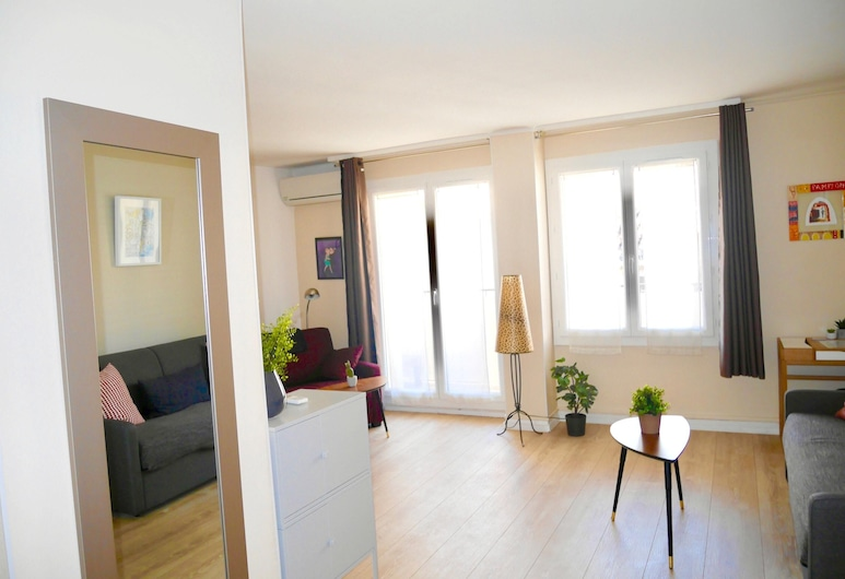 Studio in Marseille, With Furnished Balcony and Wifi - 2 km From the Beach, Marseille, Living Room