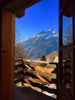 Picture of Chalet With 3 Bedrooms in L'enversin D'oz, With Wonderful Mountain View and Furnished Garden - 500 m From the Slopes in Oz
