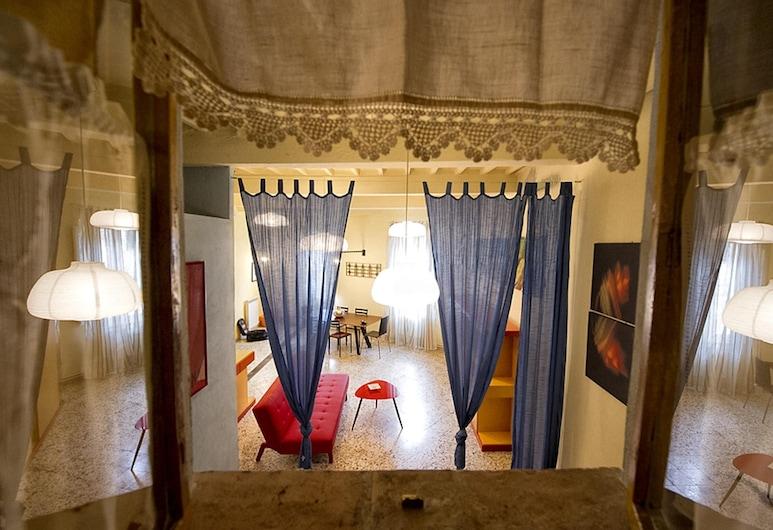Apartment With 2 Bedrooms in Foiano Della Chiara, With Wonderful City View and Wifi, Foiano della Chiana, Living Room