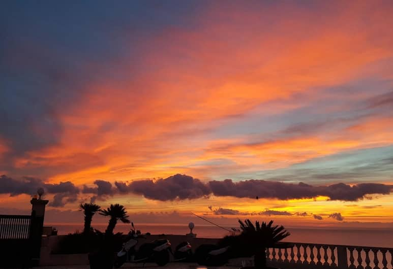 Apartment With 2 Bedrooms in Bastia, With Wonderful sea View, Pool Access, Furnished Terrace - 2 km From the Beach, Bastia, Strand
