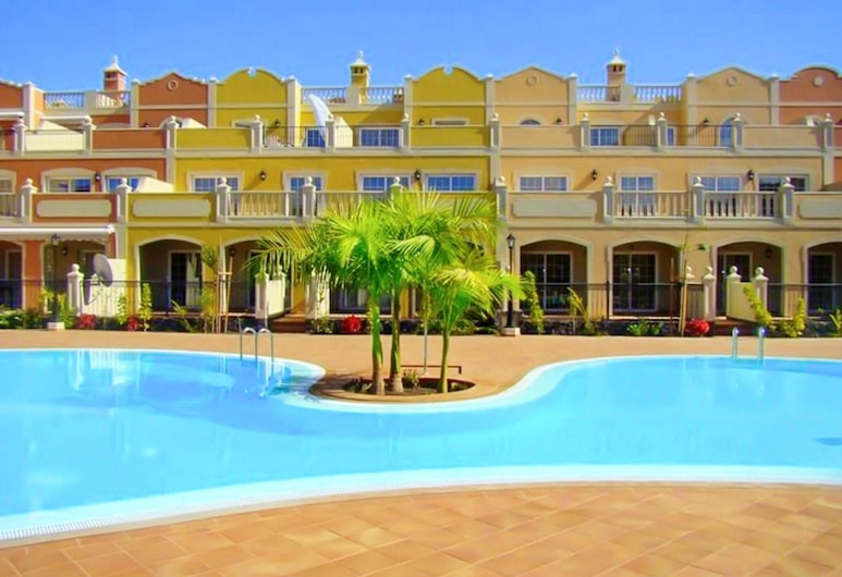 Apartment With 2 Bedrooms in Palm-mar, With Shared Pool, Furnished Terrace and Wifi - 800 m From the Beach, Arona, Bazén
