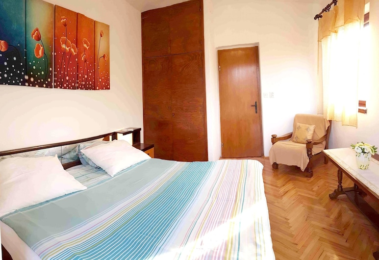Apartment With 2 Bedrooms in Supetar, With Wonderful sea View, Furnished Garden and Wifi - 100 m From the Beach, Supetar, Room
