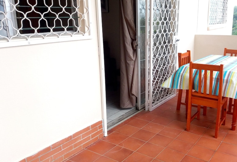 Apartment With 2 Bedrooms in Saint Joseph, With Furnished Balcony - 12 km From the Beach, Saint-Joseph, Terasa