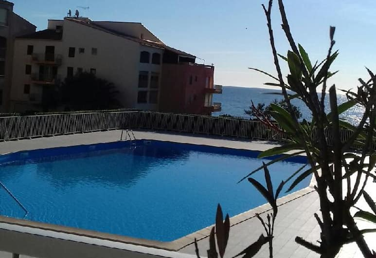 Studio in Agde, With Private Pool and Furnished Terrace - 50 m From the Beach, Agde, Pool