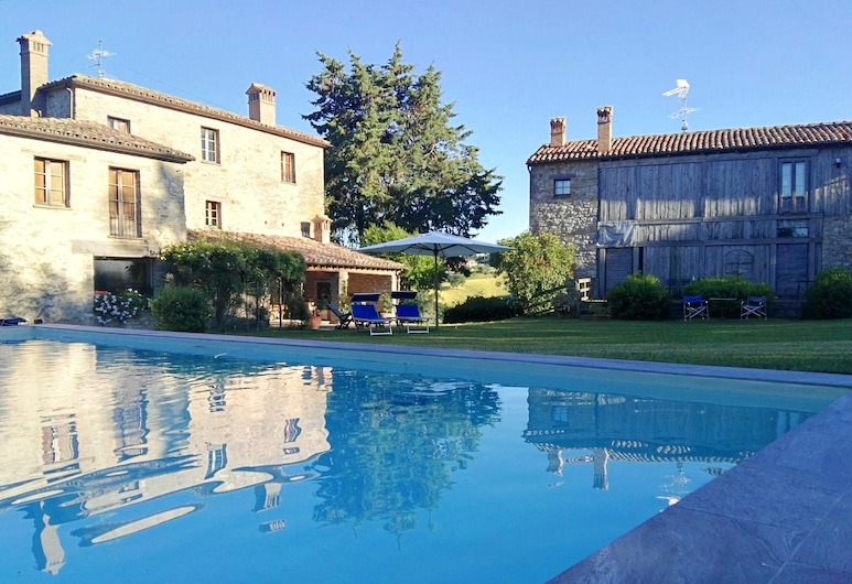 Villa With 6 Bedrooms in Frontino, With Wonderful Mountain View, Shared Pool, Enclosed Garden - 4 km From the Beach, Frontino