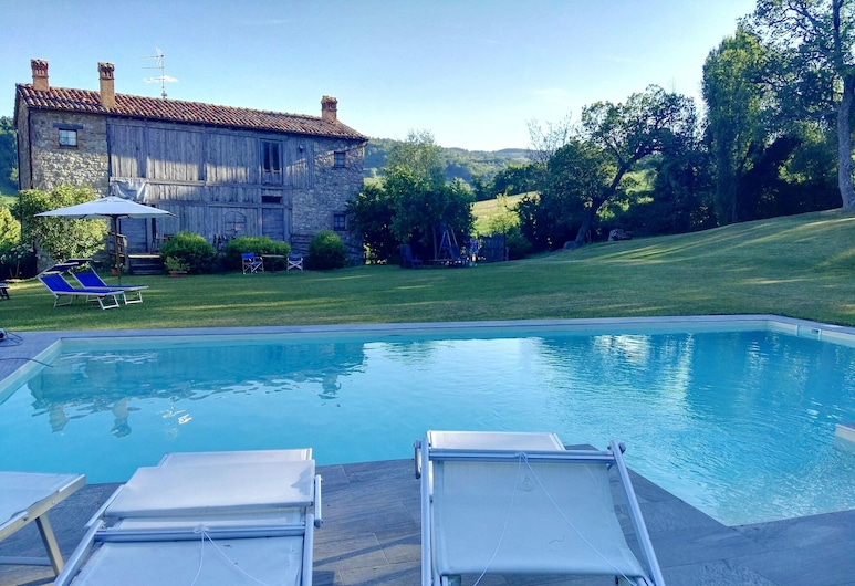 Villa With 6 Bedrooms in Frontino, With Wonderful Mountain View, Shared Pool, Enclosed Garden - 4 km From the Beach, Frontino, Bassein