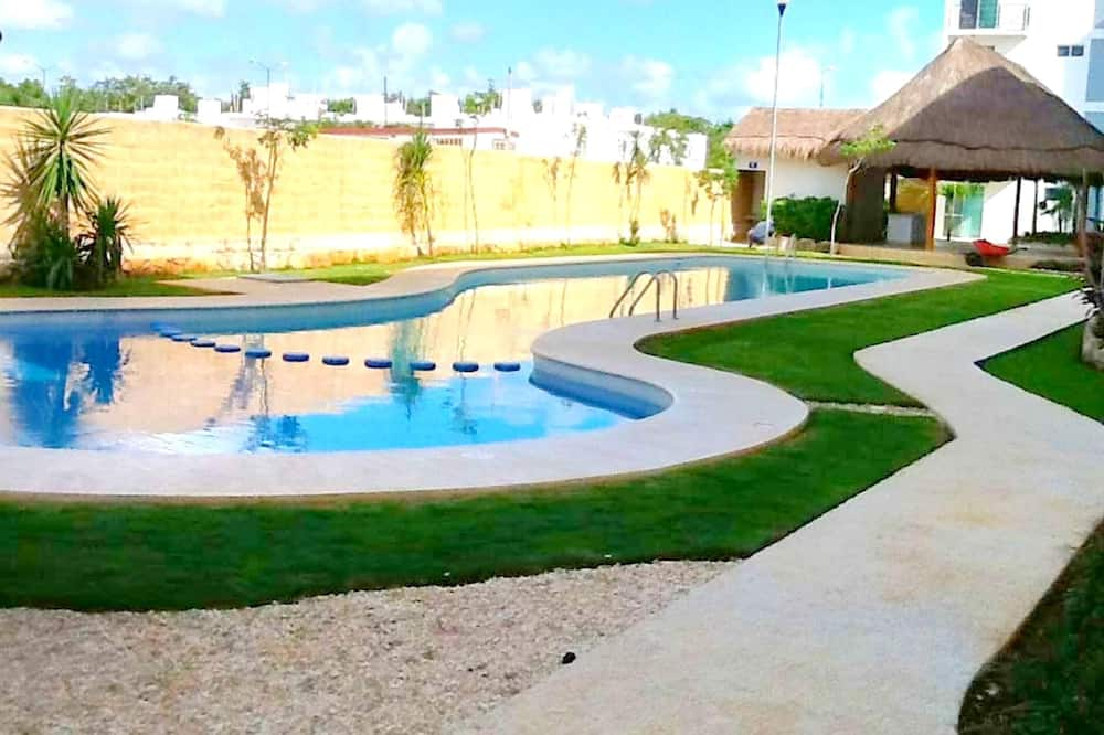 Apartment With 2 Bedrooms in Playa del Carmen, With Shared Pool, Furnished Garden and Wifi - 4 km From the Beach