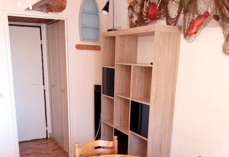 Studio in Agde, With Wonderful City View, Terrace and Wifi - 150 m From the Beach, Agde