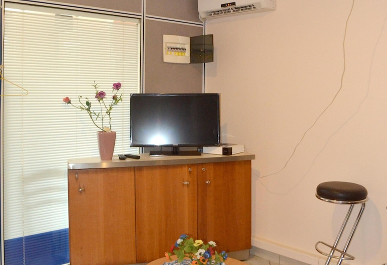 Apartment With one Bedroom in Le Diamant, With Enclosed Garden and Wifi, Le Diamant, Elutuba