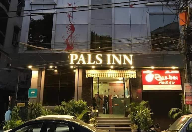 Pals Inn, Nuova Delhi, Esterni