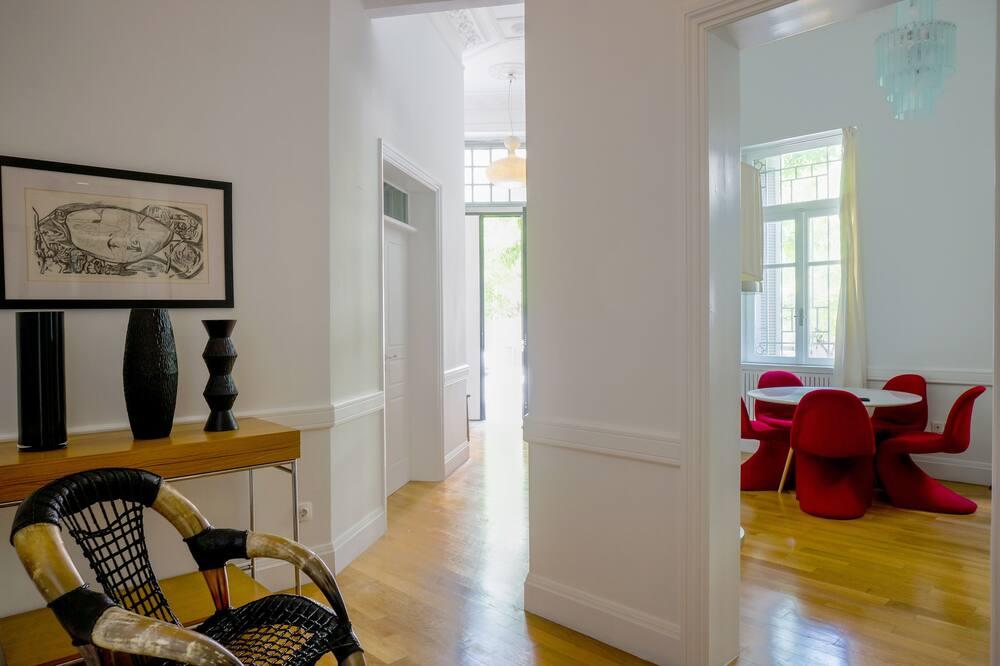Deluxe Villa - Living Room