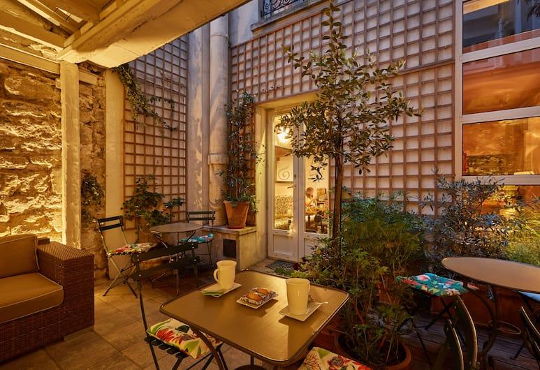 Hotel De Sevres, Paříž, Terasa