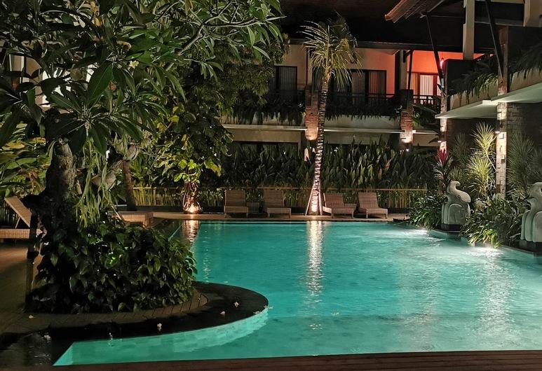 Arena Living, Denpasar, Pool