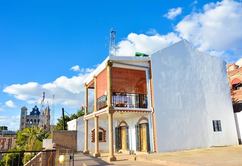 House With 2 Bedrooms in Ambohimitsimbina, With Wonderful City View, Furnished Terrace and Wifi, Antananarivo