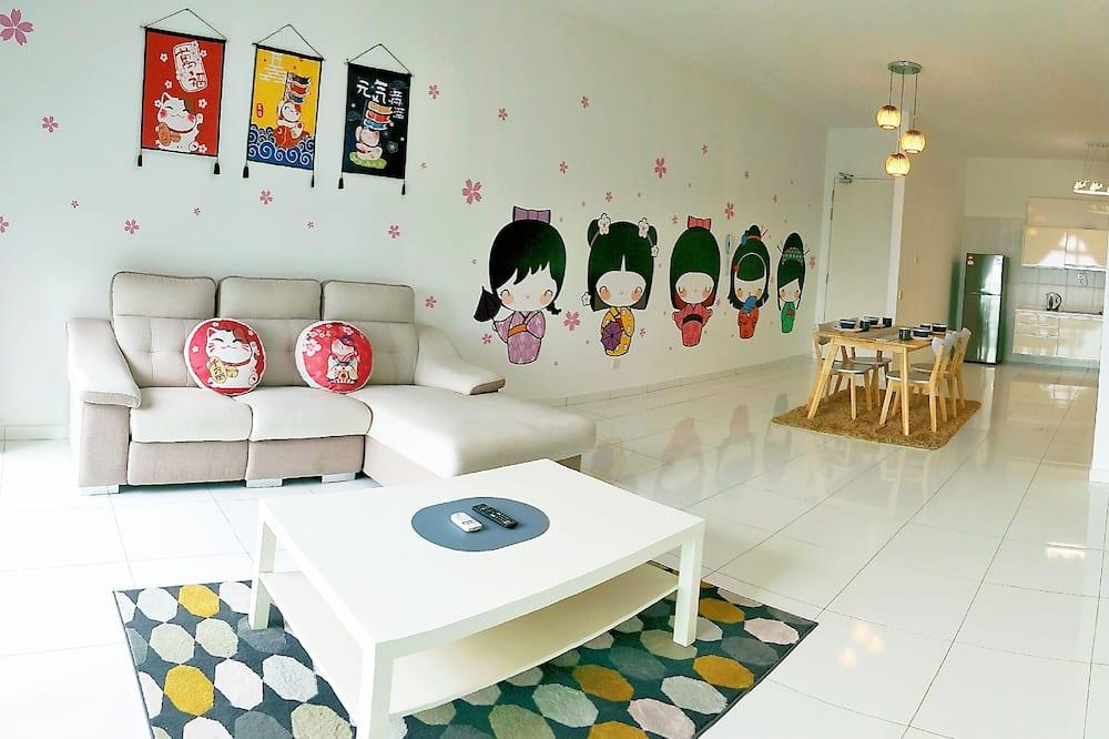 Luxury Apartment, 3 Bedrooms, City View - Living Room
