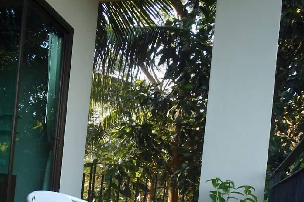 Deluxe Room with Ocean View  - ระเบียง