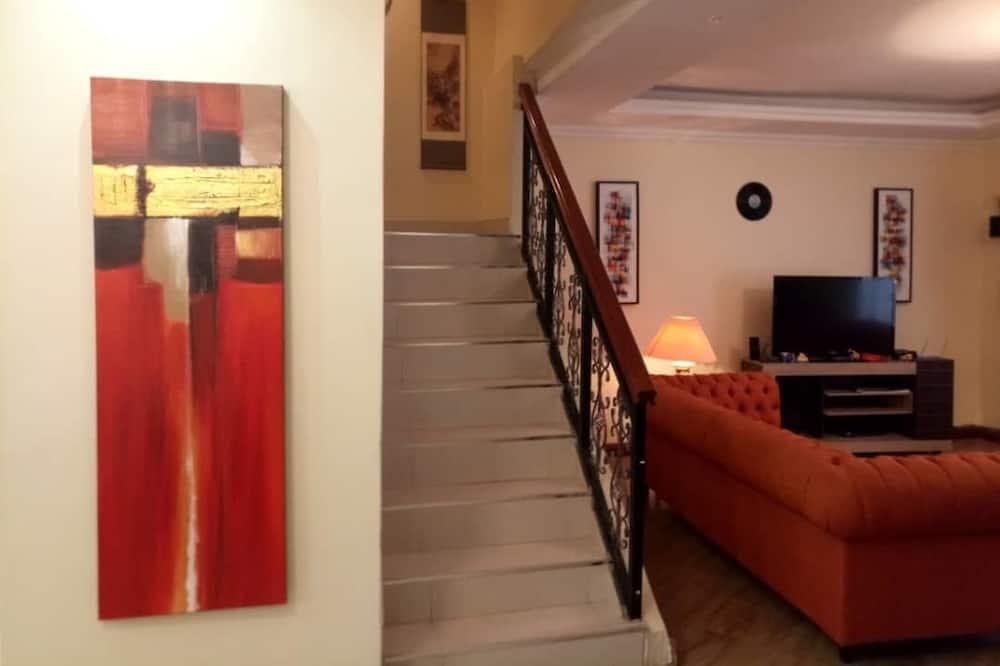 Standard Double Room 4 - 1st Floor - Living Room