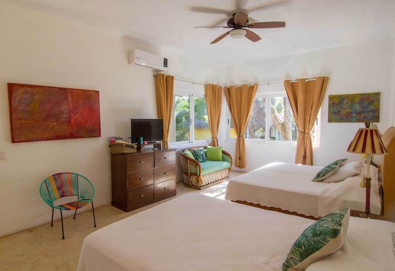 Villa Tutu with jungle and ocean views, 8,600sqf of gardens, sleep 12, Chacala, Tuba