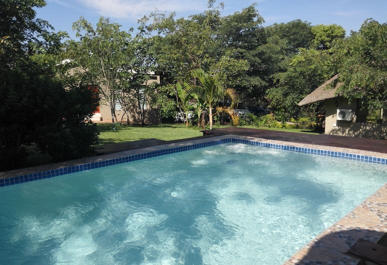 Chobe Sunset Chalets, Kasane, Vonkajší bazén