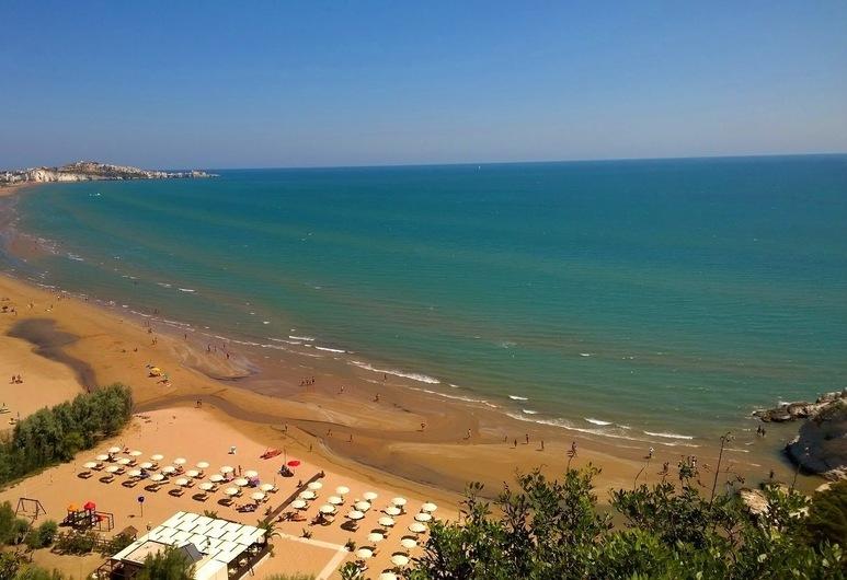 Hotel Residence Villa Ascoli, Vieste, Beach