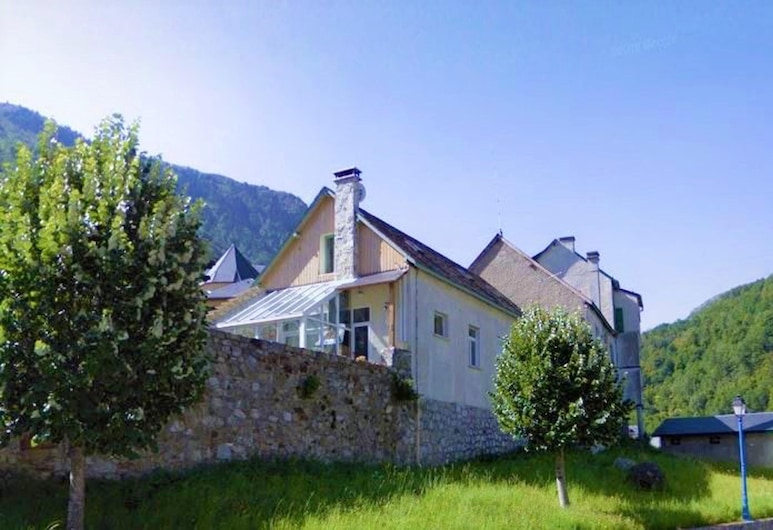 Apartment With one Bedroom in Gedre, With Wonderful Mountain View and Wifi - 7 km From the Slopes, Gavarnie-Gedre