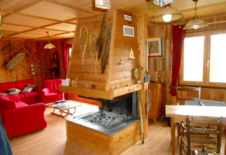 Chalet With 4 Bedrooms in Ax-les-thermes, With Wonderful Mountain View and Furnished Garden, Ax-les-Thermes, Living Room