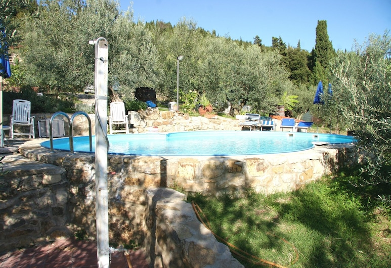 Apartment With one Bedroom in Calenzano, With Wonderful City View, Shared Pool, Enclosed Garden, Calenzano