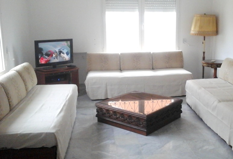 House With 3 Bedrooms in Raoued, With Enclosed Garden, Рауэд, Гостиная