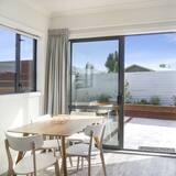 Ferienhaus, 2Schlafzimmer, Nichtraucher, Küche - Essbereich im Zimmer