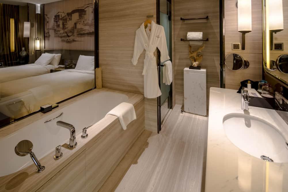高級豪華雙床房 - 浴室
