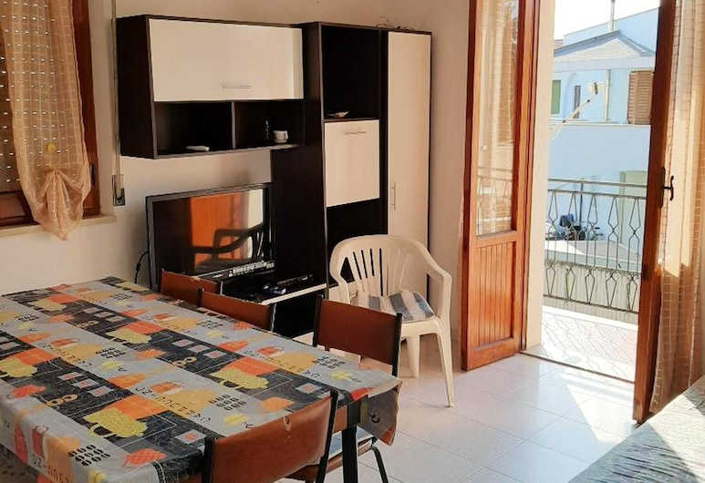 House With 2 Bedrooms in Contrada Termini, With Wonderful sea View and Balcony - 3 m From the Beach, Casalbordino, Living Room
