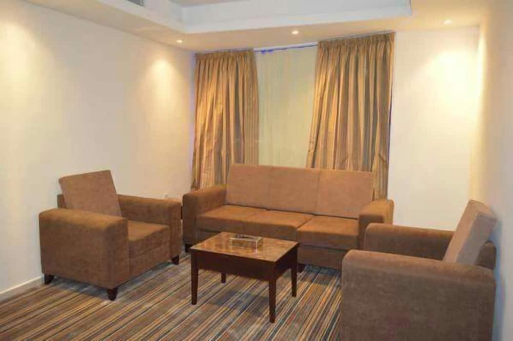 جناح - غرفتا نوم - غرفة معيشة