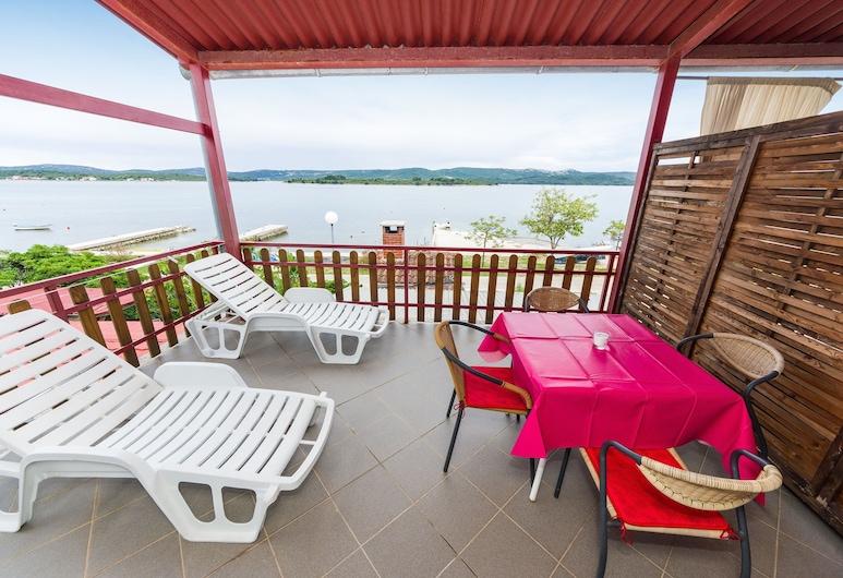 Apartments Miskovic, Sveti Filip i Jakova, Komforta dzīvokļnumurs, viena guļamistaba, balkons, skats uz jūru, Balkons