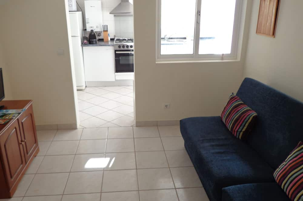 Apartment, 1 Bedroom, Terrace (Nunes II) - Living Area