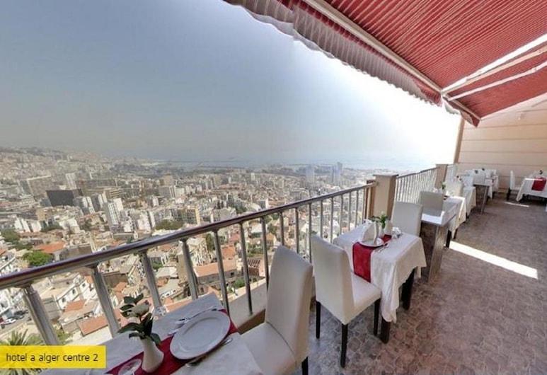 Hotel Ikram El Dhayf, Algiers, Ristorazione all'aperto
