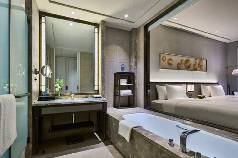 Habitación de lujo con 2 camas individuales, vista al mar - Baño