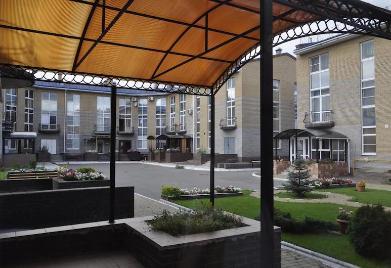 Guest House A-suite, Omsk, Quintal