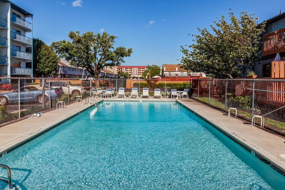 Blue Marlin Apartment 2, Ocean City, Outdoor Pool