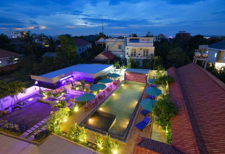 Lilly Holiday Hotel, Siem Reap, Voorkant hotel - avond/nacht