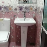 Single Room, 1 Twin Bed, Private Bathroom, City View - Bathroom