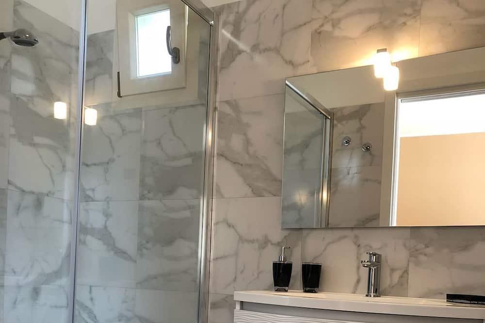 Habitación triple Confort - Baño