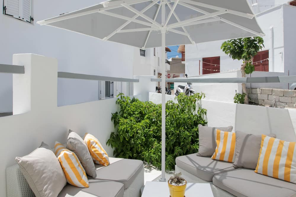 Family Apartment (For 5) - Terrace/Patio